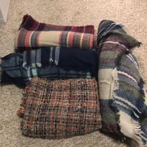 NWOT blanket scarf bundle